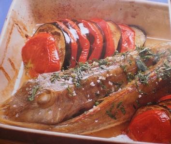 Peixe Ruivo com Beringelas e Tomate