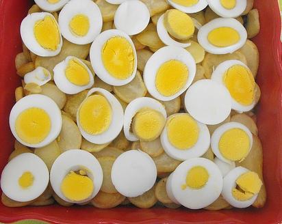 Bacalhau com cebolada e ovos