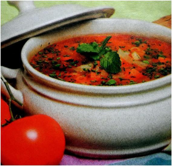 Caldo de legumes com hortelã